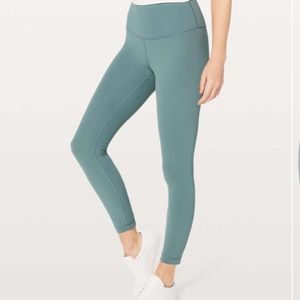 Lululemon Wunder Under HR 7/8 tight sz 6